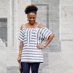 Soft Surroundings Large Striped Cold Shoulder